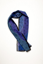 Nice scarf with blue and purple colours