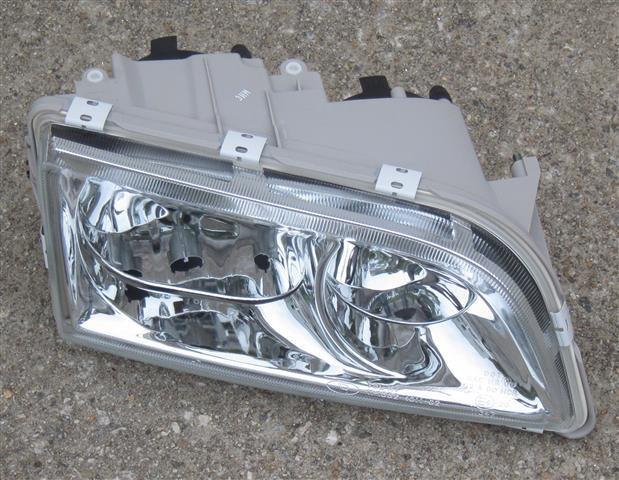 Volvo S40 Headlight Assembly 2000 2001 2002 2003 2004