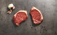32 DAYS DRY-AGED HERITAGE BREED SIRLOIN STEAKS - 2 x 250G