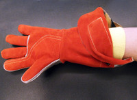 Aluminized leather gloves have Chrome Leather palms and forearm and are effective in hot work applications, including molten metal and welding environments. Aluminized materials are excellent for industrial environments where hazards, such as high heat, molten metal or high-temperature steam exist.