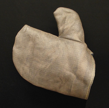 High heat stainless steel mesh mitt covers for protection from high heat during metal casting and welding applications.