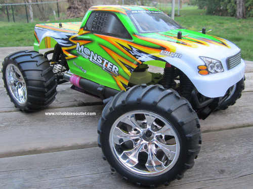 RC nitro gas truck  1/10 scale