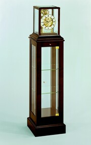 1712-23-01 - Kieninger Showcase Clock