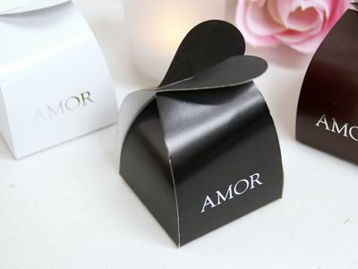 Black Amor Favor Box