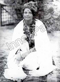 Anandamayi Ma Photo - With Garlands in Hair - 5x7