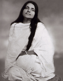 Anandamayi Ma Photo -  Long Hair 5x7