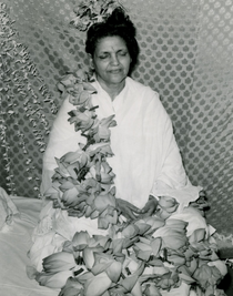 Anandamayi Ma Photo - Adorned with Flowers 5x7