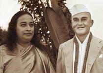 Paramahansa Yogananda and Rajarsi -  Encinitas 1938