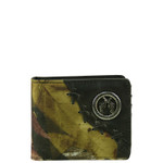 BLACK WESTERN CAMO VEGAN LEATHER PISTOL METAL EMBLEM MENS SHORT BIFOLD ID WALLET WEST WOLF H-2249-1BLK