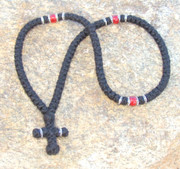 100-knot Greek with Accents - 3 ply with Red Beads