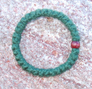33-Knot Bracelet with Single Bead - 2 ply Forest Green