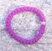 33-Knot Bracelet with Single Bead - 2 ply Magenta