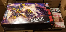 Transformers Siege: War for Cybertron Titan Class Omega Supreme