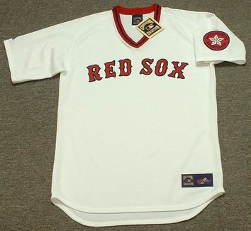 CARL YASTRZEMSKI Boston Red Sox 1975 Majestic Home Cooperstown Throwback Jersey - FRONT