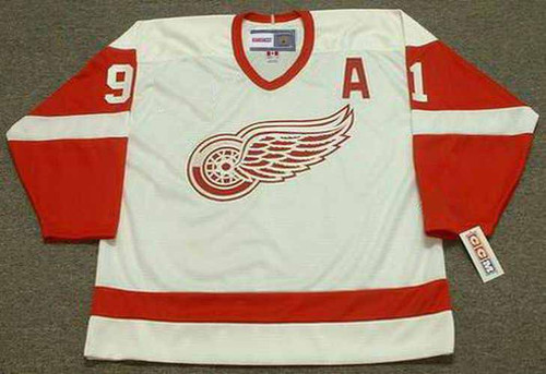 SERGEI FEDOROV Detroit Red Wings 2002 Home CCM Throwback NHL Hockey Jersey - FRONT
