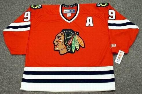 BOBBY HULL Chicago Blackhawks 1971 CCM Throwback NHL Away Hockey Jersey - Front