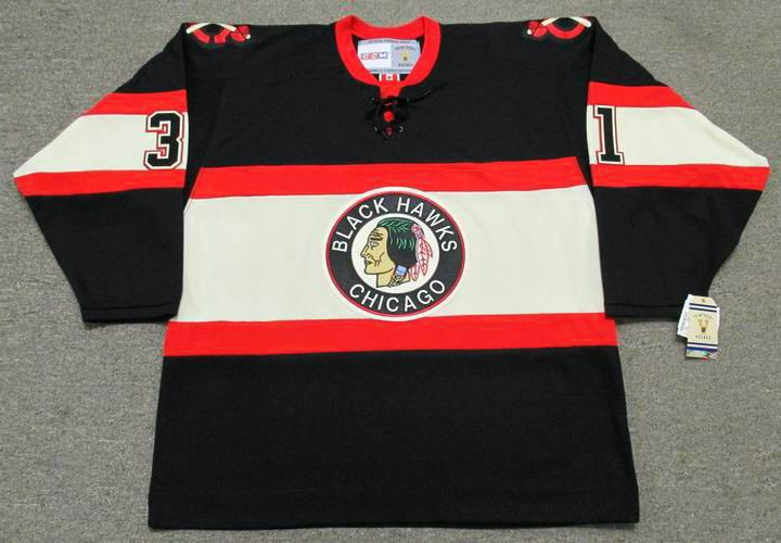 790e9a32e ... Chicago Blackhawks 1930 s CCM Vintage NHL Hockey Jersey. Image 1