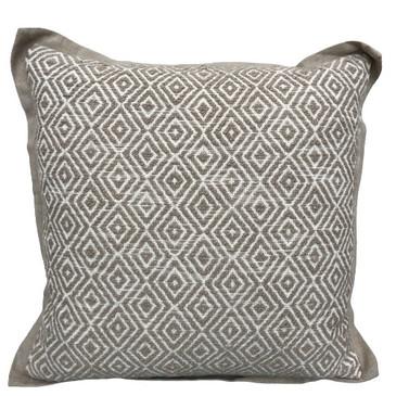 Benita Ivory/Natural Pillow
