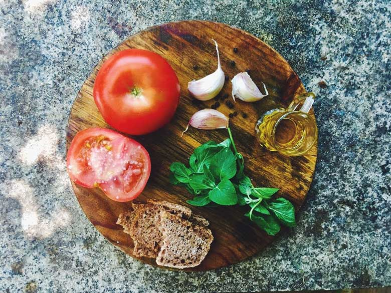 tomato-oregano-bruschetta.jpg