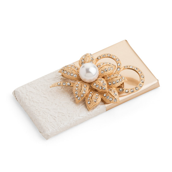 Pearl Flower Brooch Gift Chocolate
