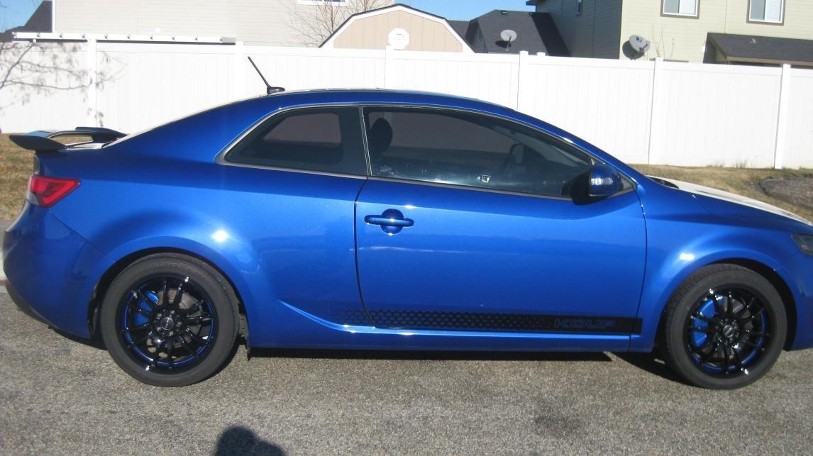 Drag Wheels DR-38 18x8 5x100 5x114.3 et35 Black w/ Blue Stripe rim