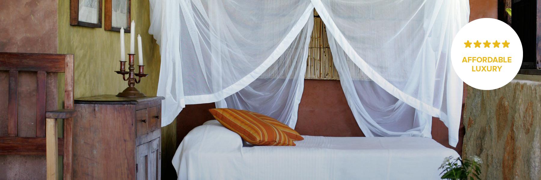 Deluxe mosquito net