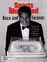 Muhammad Ali Autographed Sports Illustrated Magazine Vintage PSA/DNA #H47566