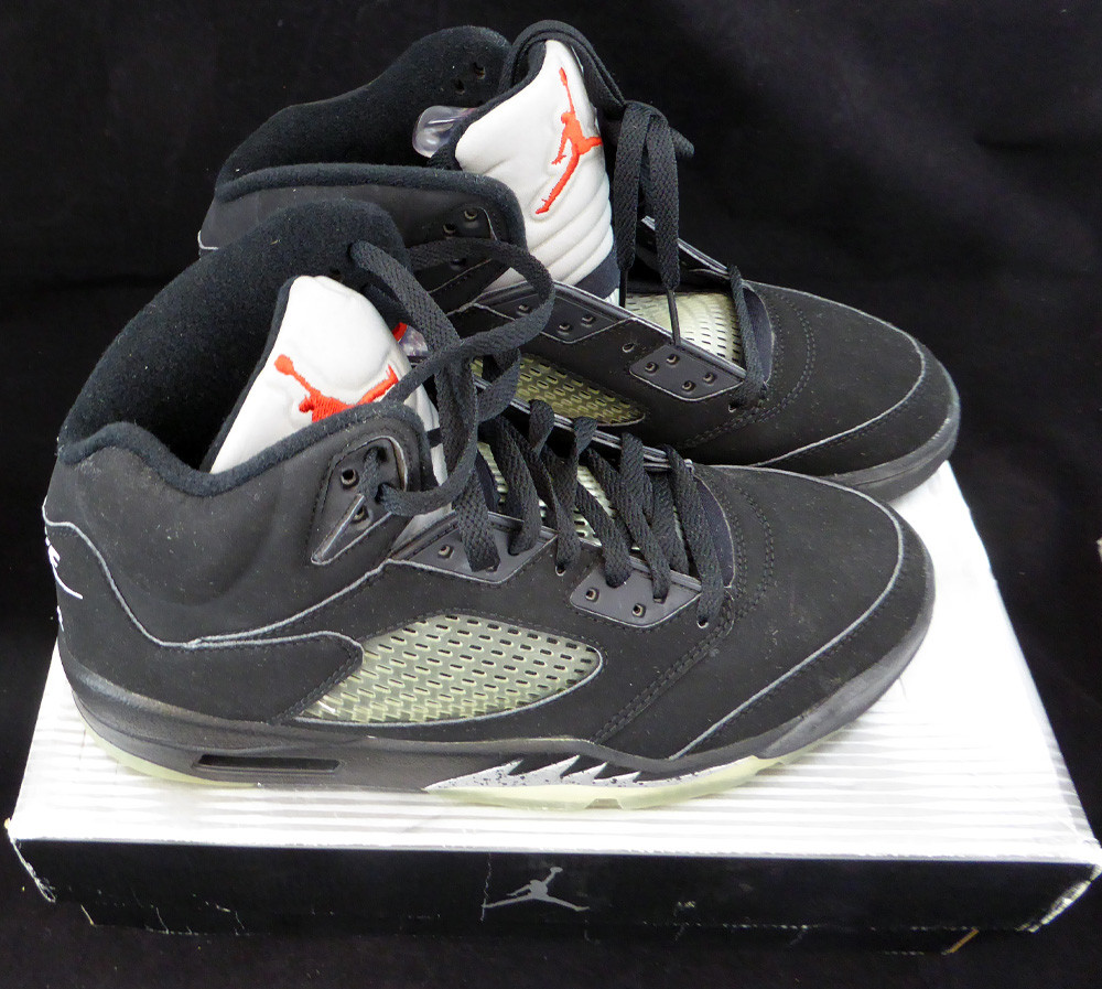 the latest 93dbb 18b35 Air Jordan V Retro + Black / Blk Met Silver Size 9.5 Unsigned New Shoes In  Box SKU #124596