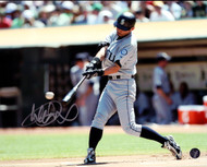 Ichiro Suzuki Autographed 8x10 Photo Seattle Mariners IS Holo Stock #76022