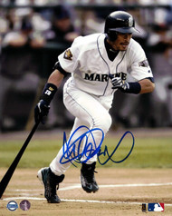 Ichiro Suzuki Autographed 8x10 Photo Seattle Mariners IS Holo Stock #83490