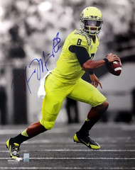 Marcus Mariota Autographed 16x20 Photo Oregon Ducks MM Holo Stock #87194