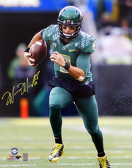 Marcus Mariota Autographed 16x20 Photo Oregon Ducks MM Holo Stock #87196