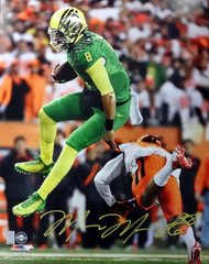 Marcus Mariota Autographed 16x20 Photo Oregon Ducks MM Holo Stock #89222