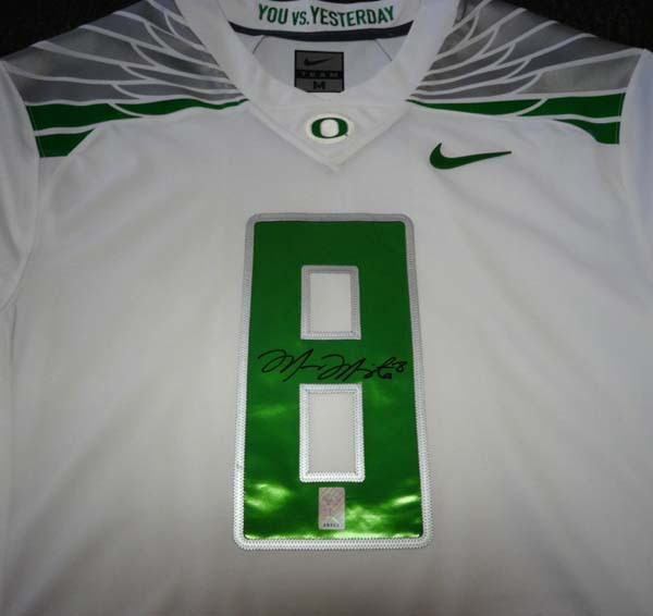 sneakers for cheap 0f721 05e60 Oregon Ducks Marcus Mariota Autographed White Nike Jersey Size M MM Holo  Stock #89853