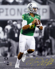 Marcus Mariota Autographed 16x20 Photo Oregon Ducks MM Holo Stock #98161