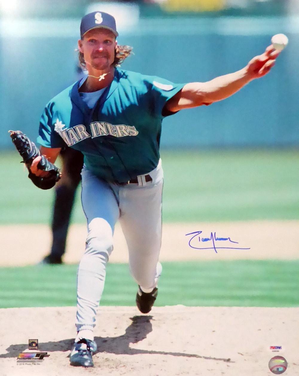 Randy Johnson Autographed 16x20 Photo Seattle Mariners Psadna Stock 110983