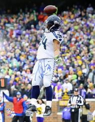 Thomas Rawls Autographed 16x20 Photo Seattle Seahawks MCS Holo Stock #113552