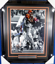 A.J. AJ Green Autographed Framed 16x20 Photo Cincinnati Bengals Beckett BAS Stock #130259