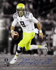 Marcus Mariota Autographed 16x20 Photo Oregon Ducks MM Holo #17293