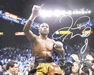 Floyd Mayweather Jr. Autographed 16x20 Photo Beckett BAS Stock #157356