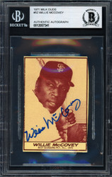 Willie McCovey Autographed 1971 Milk Duds Card #52 San Francisco Giants Beckett BAS #12057341