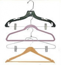 https://www.productdisplaysolutions.com/suit-hangers/