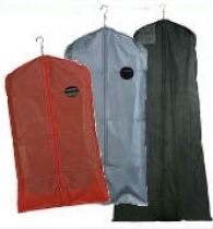 https://www.productdisplaysolutions.com/garment-bags-and-covers/