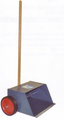 EDCO Wide Open Dustpan w/wheels