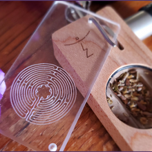 MAPLE LABYRINTH LAUNCH BOX with retractable clip holder