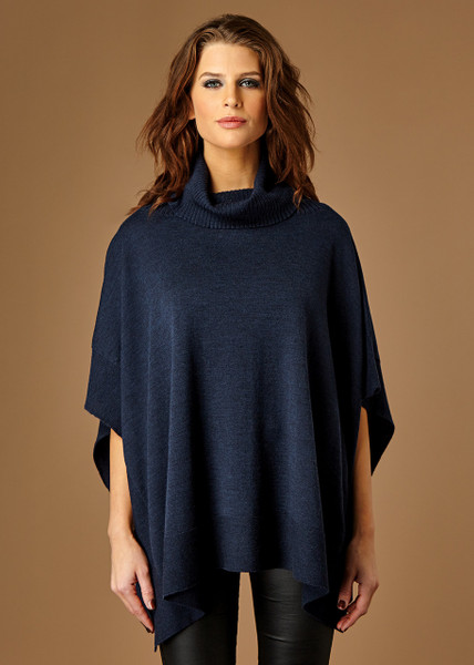 Heidi poncho - Night (front)
