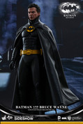 Hot Toys - Batman and Bruce Wayne - Batman Returns