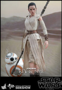Hot Toys - Star Wars: The Force Awakens - Rey and BB-8