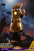 Hot Toys - Avengers: Infinity War - Quarter Scale Infinity Gauntlet