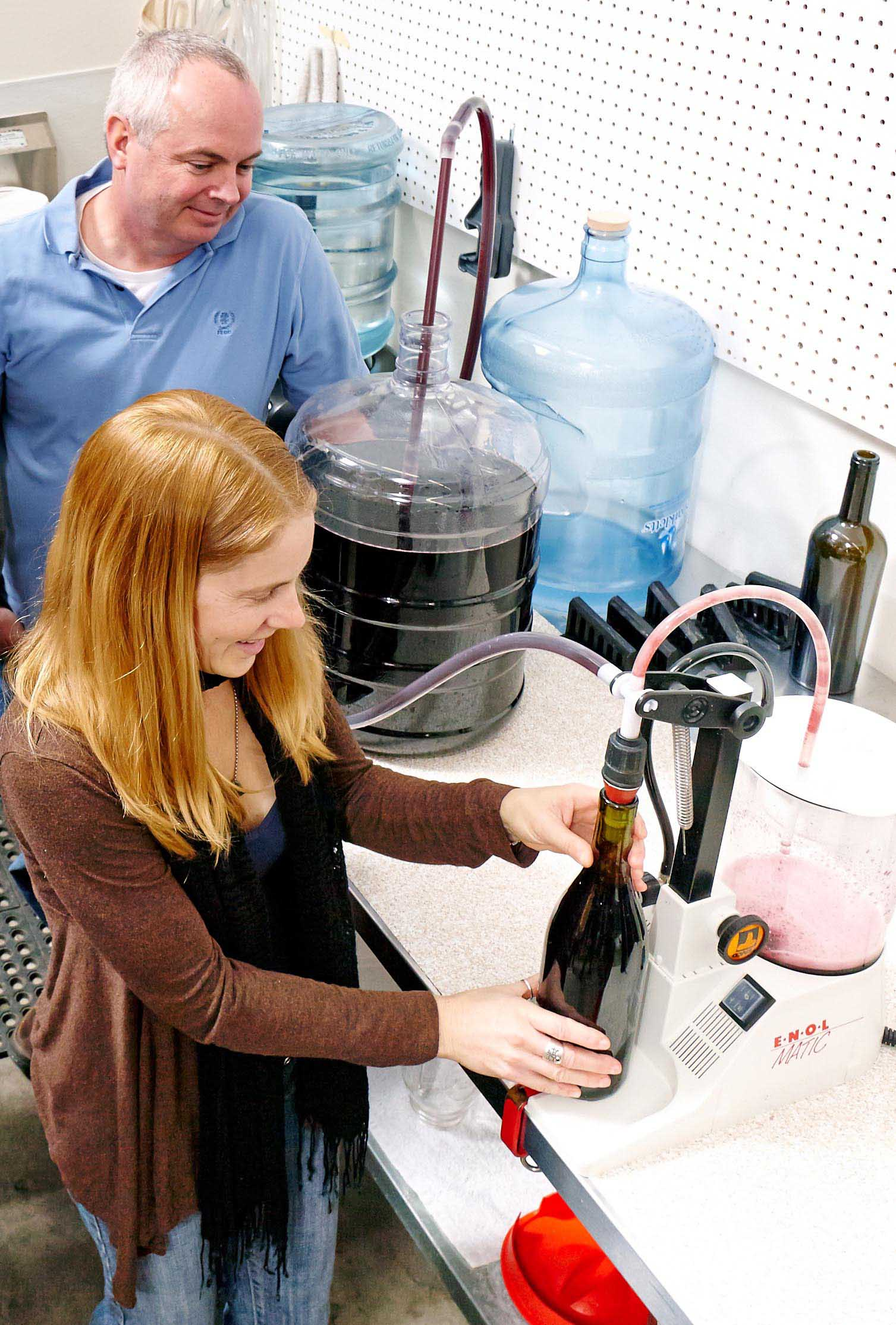 bottling-wine-small.jpg